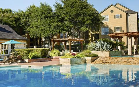 Pool at Camden Huntingdon Apartments in Austin, TX