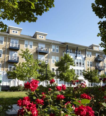 Camden Monument Place Apartments in Fairfax, Virginia