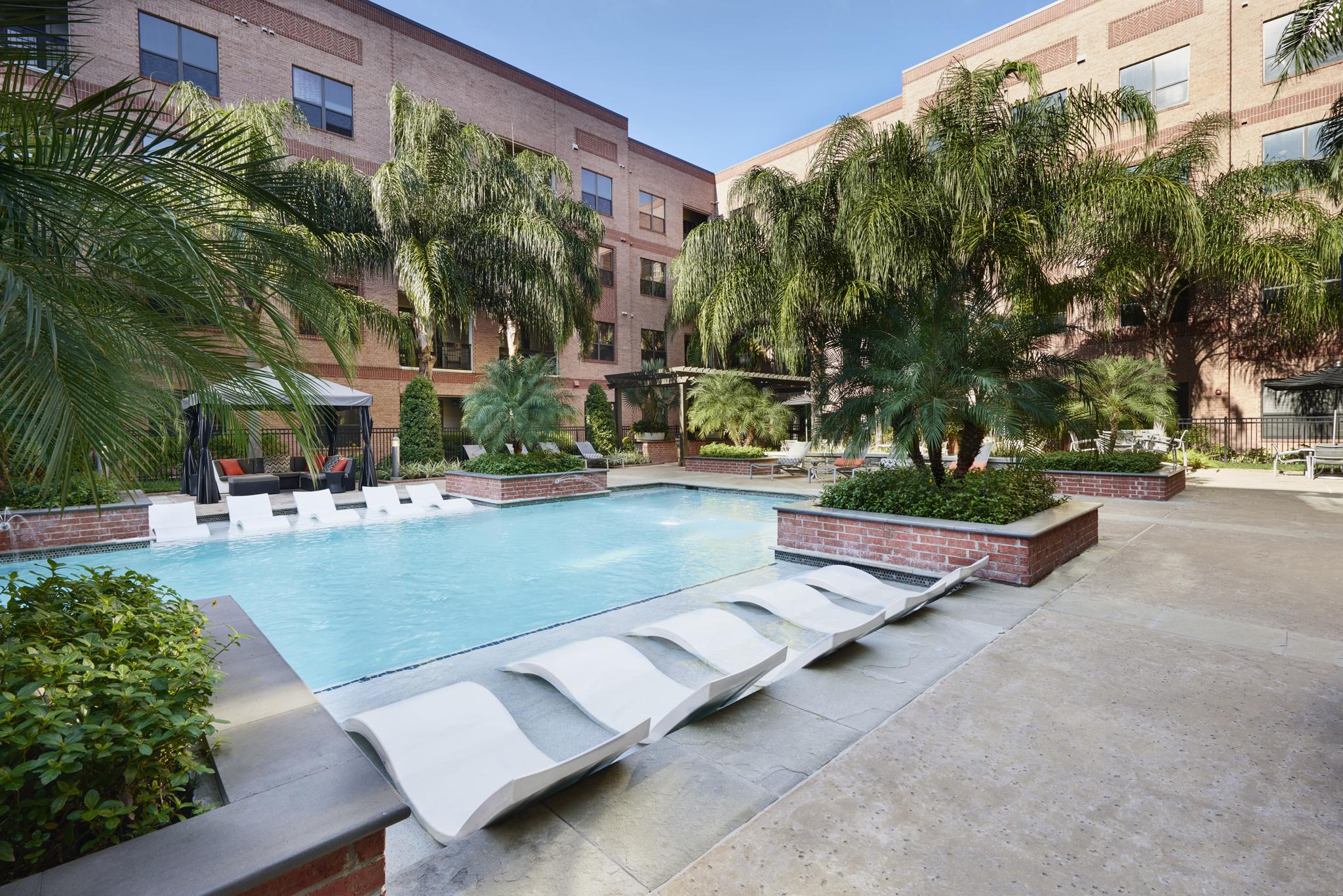 Apartments for rent in houston tx camden travis street for 2 bedroom apartments in houston tx