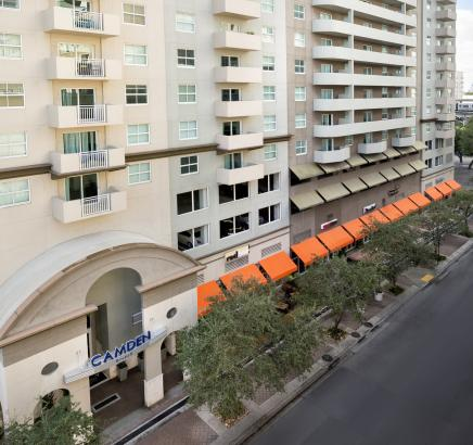 Retail Shops Lounge Restaurants Camden Brickell Apartments in Miami, Florida.