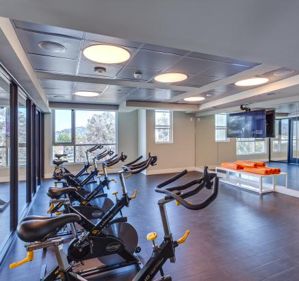 Fitness center at Camden Glendale Apartments in Glendale, California.
