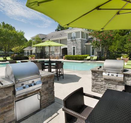 Camden Peachtree City Apartments pool and grill