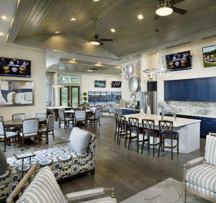 Resident Lounge at Camden Waterford Lakes Apartments in Orlando, Florida