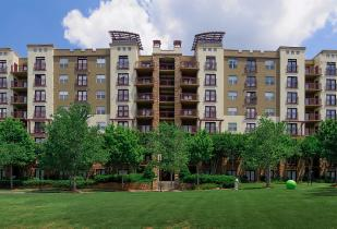 Camden Brookwood Apartments in Atlanta, Georgia