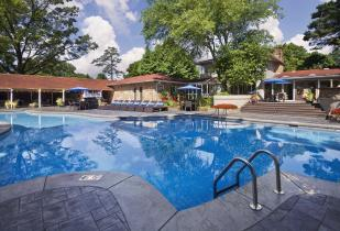 Camden Fairview Apartments in Charlotte, North Carolina