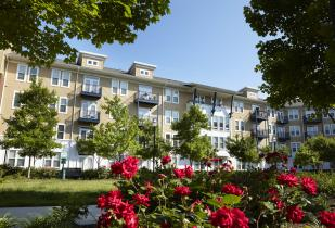Camden Monument Place Apartments in Fairfax, Virginia