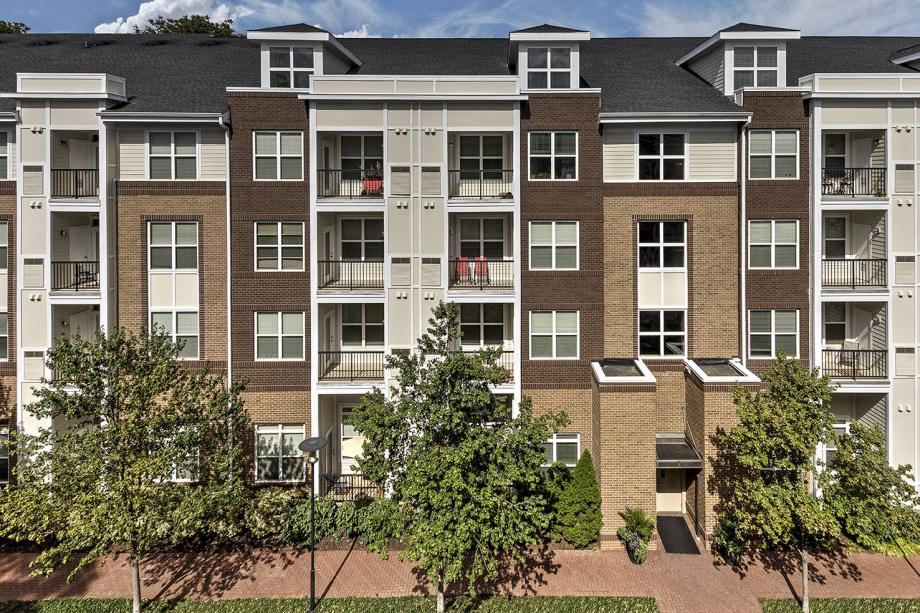 Apartments for rent in herndon va camden dulles station for 2 bedroom apartments in reston va