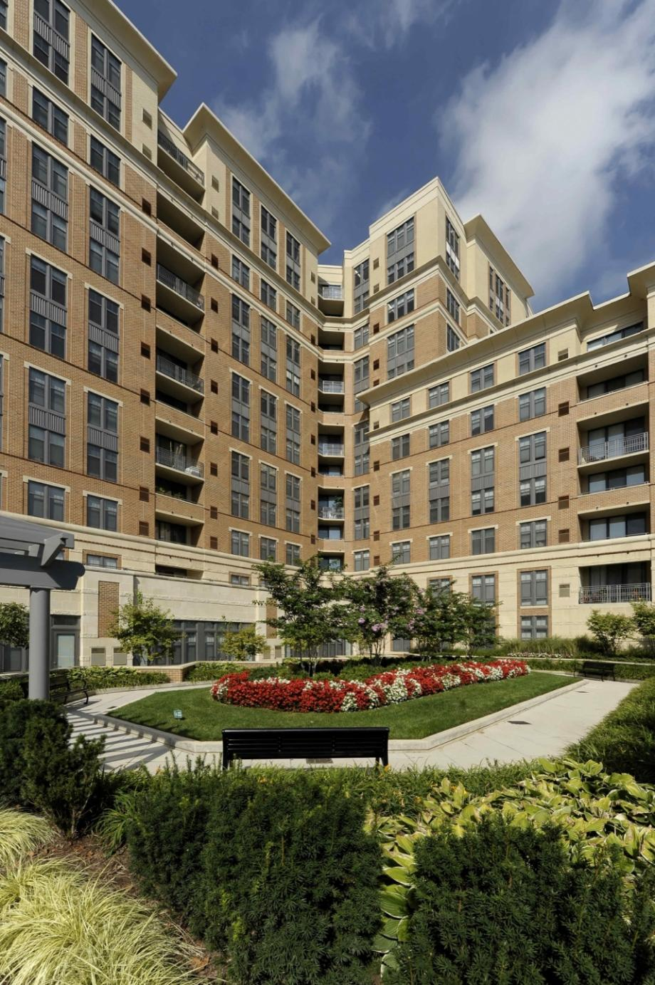 Apartments for Rent in Arlington, VA - Camden Potomac Yard