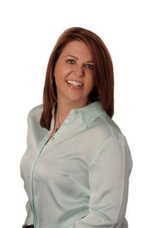 Dawn Mathwig headshot